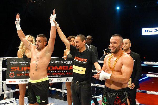 Loren es proclamado ganador de su duelo frente a Osmanoski. / DA