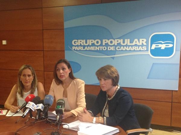 Las diputadas del PP, ayer, durante la rueda de prensa. / DA