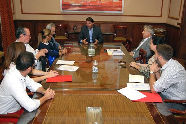 Reunión entre el Ayuntamiento y el colegio de arquitectos. | DA