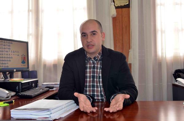 El regidor socialista sostiene que Faustino Alegría y Pablo Estévez quieren obstaculizar su gestión. | M. PÉREZ
