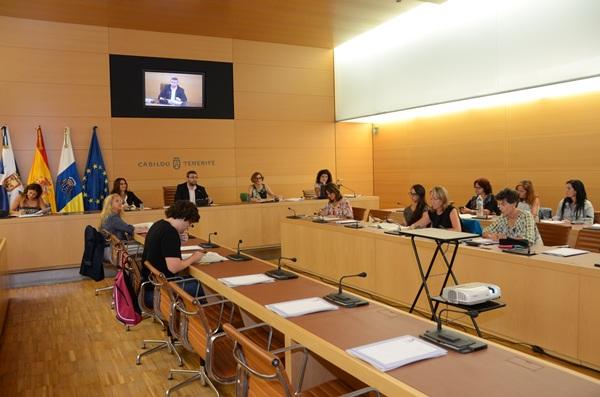 El encuentro estuvo presidido por el consejero MIguel Ángel Pérez. / DA