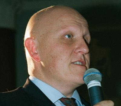 Leontxo García, maestro internacional de ajedrez, ante el público. / DA