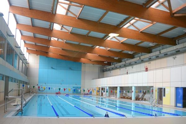 La piscina de Tasagaya está cerrada desde el 9 de septiembre. / SERGIO MÉNDEZ