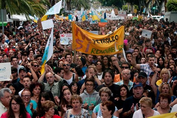 Marcha contra los sondeos./ FRAN PALLERO