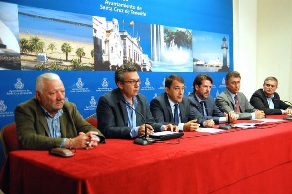 Carlos Alonso; José Manuel Bermúdez; Dámaso Arteaga; Hilario Rodríguez; Víctor Pérez y Manuel Ortega durante la rueda de prensa. | EP