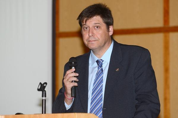 Juan Francisco Alcaraz, durante su intervención de ayer en la Universidad de La Laguna. / SERGIO MÉNDEZ