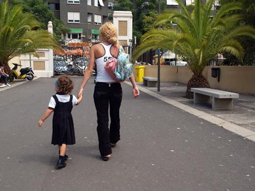 Canarias ha apostado por el acogimiento familiar en los últimos años. / DA