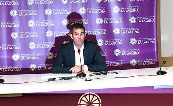 El alcalde de La Laguna, Fernando Clavijo, ayer en rueda de prensa. / FOTO CEDIDA