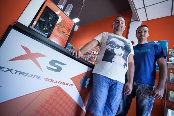 Iván Palenzuela y Daniel Iglesias, en la sede de la tienda, ubicada en la calle de San Sebastián de la capital tinerfeña. / DA