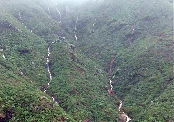 El agua corriendo por las laderas de Anaga.    Unidad de Montes