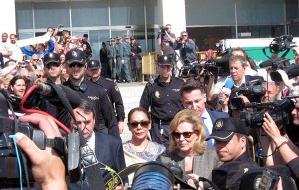 Isabel Pantoja tendría que cumplir una pena de dos años. | EP