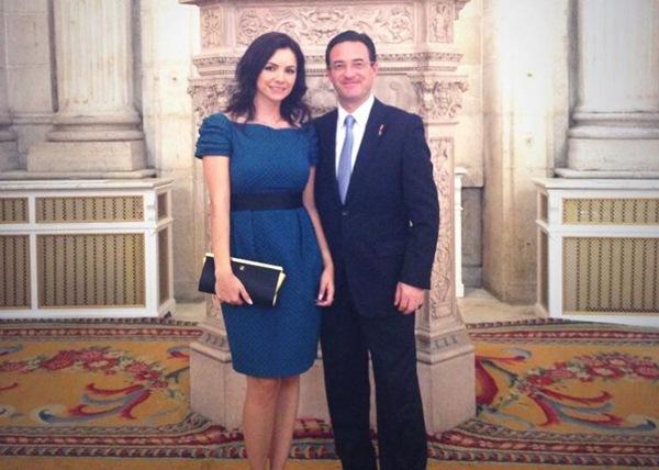 Olga María y Carlos Muñoz Obón en una imagen publicada en Twitter por la propia protagonista. / DA.