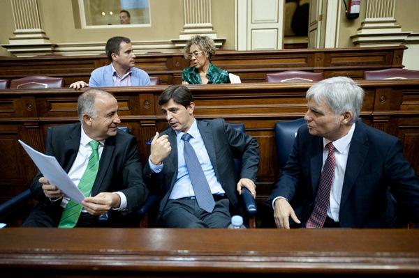 Francisco Hernández Spínola quiere saber si José Miguel Pérez va a firmar su megadimisión. / FRAN PALLERO