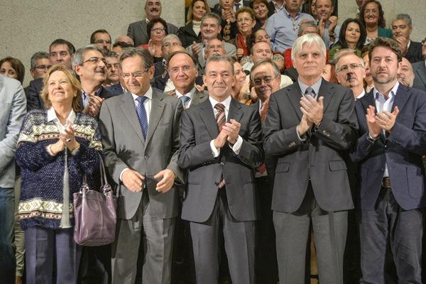 Los cargos públicos participantes en el acto institucional celebrado en la capital grancanaria. / DA
