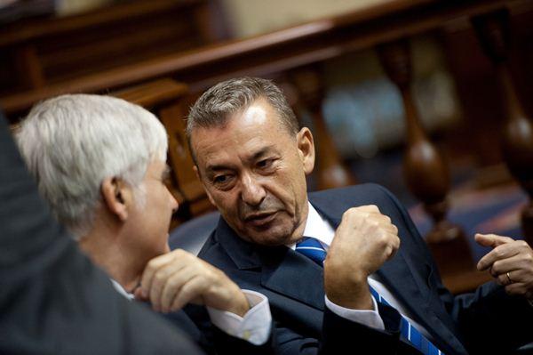 Paulino Rivero, ayer en el Parlamento de Canarias. | FRAN PALLERO
