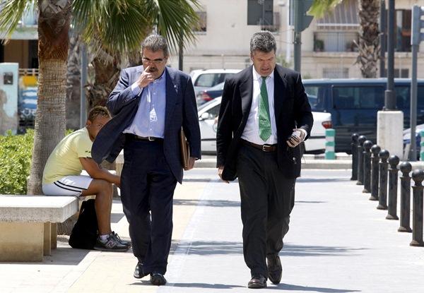Villalonga (derecha), junto a Juan Bautista Soler, cuando estuvo a punto de adquirir el Valencia. / V. RODRÍGUEZ