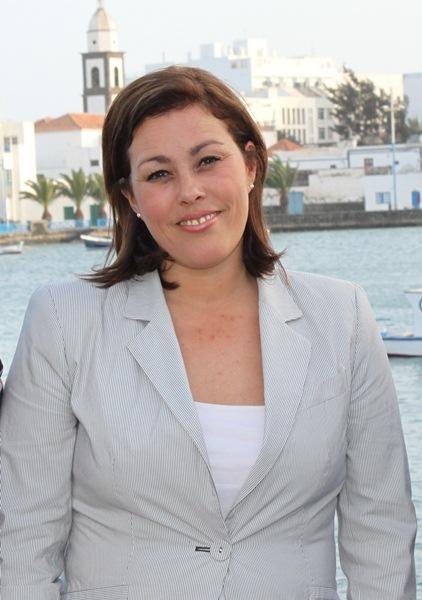 la diputada popular culpa a Paulino Rivero de pagar a mercenarios en Lanzarote. / PP LANZAROTE