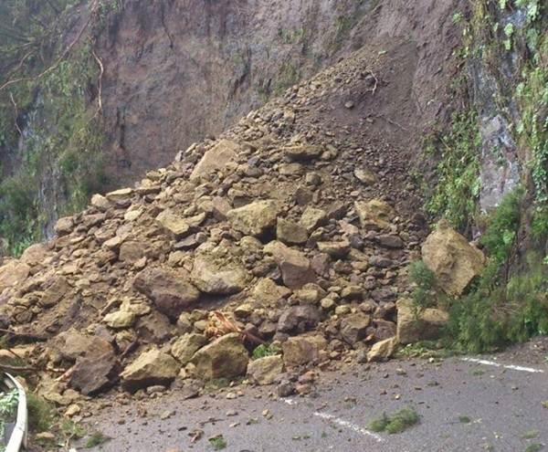Desprendimientos en la carretera El Rejo, en La Gomera. | Cabildo de La Gomera