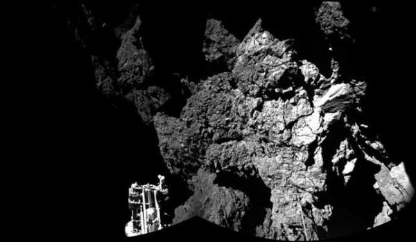 La imagen muestra que la sonda Philae está fijada al cometa. / ESA