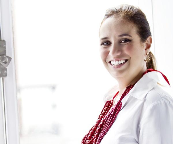 La trayectoria profesional de Raquel Jatiya se inició en el mundo del diseño gráfico. / CLAUDIA MAJANO