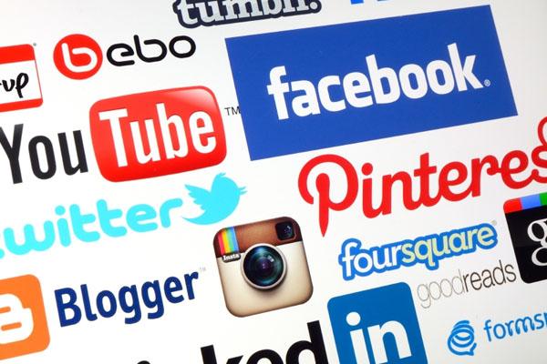 Los perfiles de redes sociales se han hecho imprescindibles para conseguir trabajo. / DA