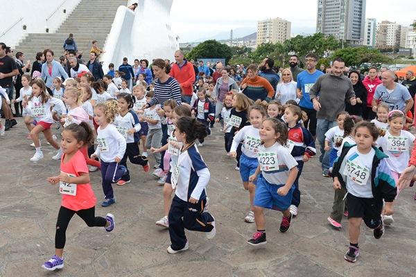 Los pequeños atletas disfrutaron de la carrera. / S.M.