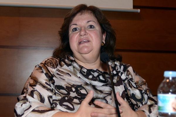 Primera sesión de la jornada, en la que participó Dolores Gramunt, de la Junta Arbitral de Consumo de Cataluña. / SERGIO MÉNDEZ