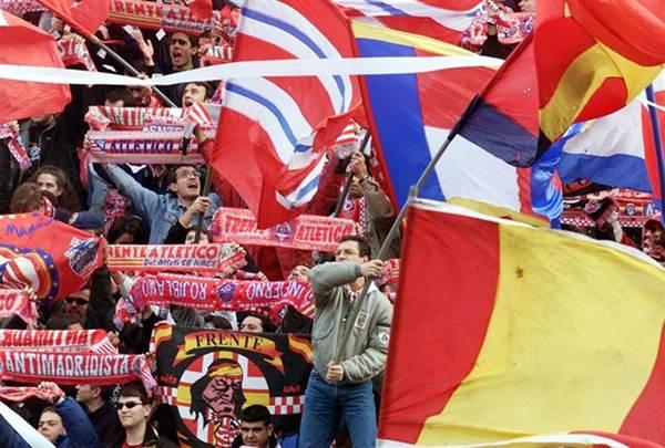 Imagen del Frente Atlético durante un partido.   EP