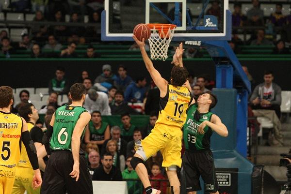 Fotis Lampropoulos fue uno de los mejores jugadores del encuentro. / ACB MEDIA