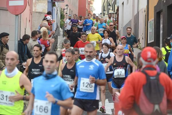 Algunos participantes de la XXV Media Maratón de Tacoronte. | DA