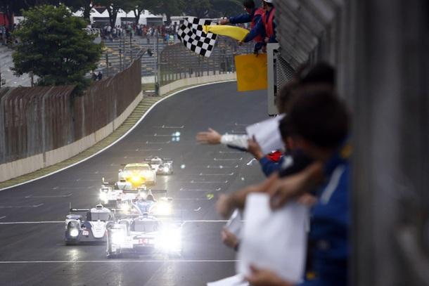 Bandera a cuadros en la última prueba del Mundial de Resistencia celebrada en Sao Paulo.   DA