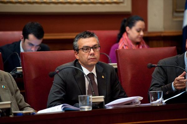 Dámaso Arteaga defendió la necesidad de apoyar el pacto por el litoral más allá de los intereses políticos. / F. P.