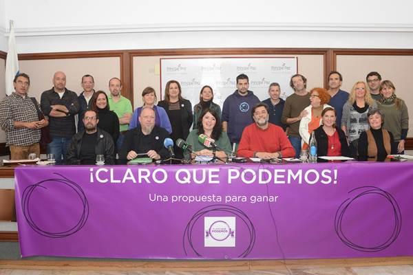 Miembros de las cinco candidaturas, ayer, en la capital tinerfeña. | S. M.