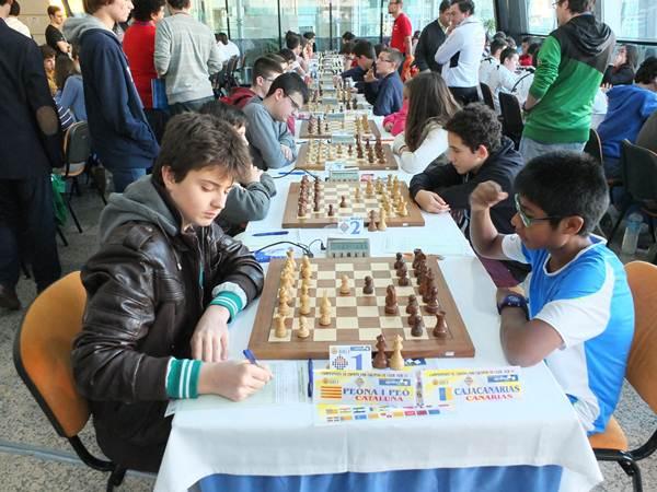 Imagen de la primera ronda con Alberto en primera fila ante el posterior campeón, Peona i Peo. / J.L.F.