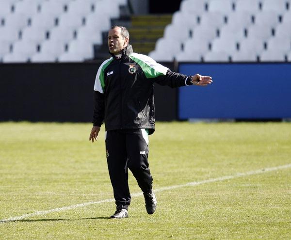 El míster blanquiazul entrenó al equipo de El Sardinero hace cuatro temporadas. / JOSÉ RAMÓN GONZÁLEZ