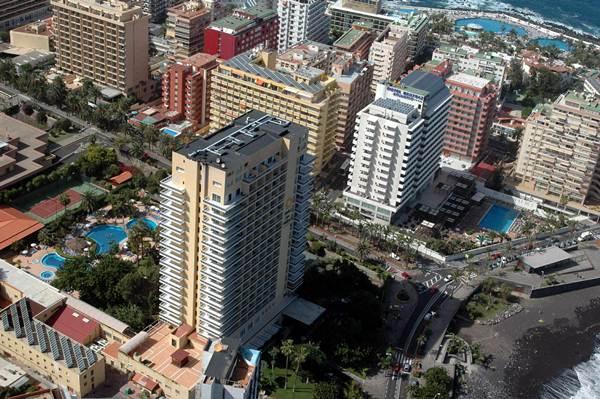 El descenso del turismo ruso en la isla de Tenerife lo han sufrido especialmente los hoteles de 5 estrellas. | M.P.