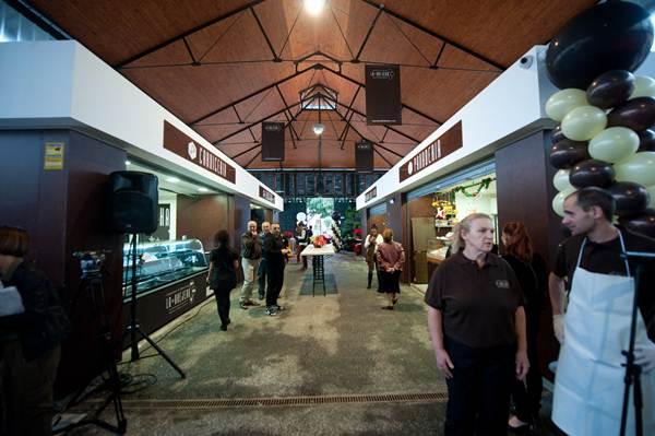 El interior del mercado ha sido completamente remozado para su puesta en funcionamiento. | FRAN PALLERO