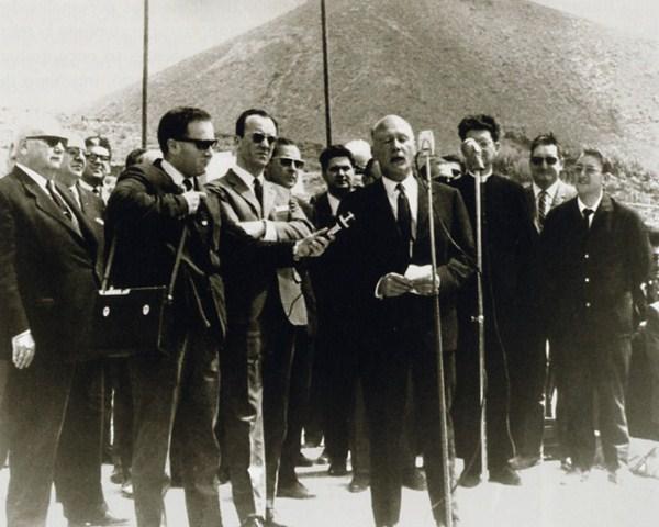 El gran artífice. El Cabildo de Tenerife, y más concretamente su entonces presidente, José Miguel Galván Bello, fue el gran promotor e impulsor de la construcción de la autopista del Sur de la Isla. / DA