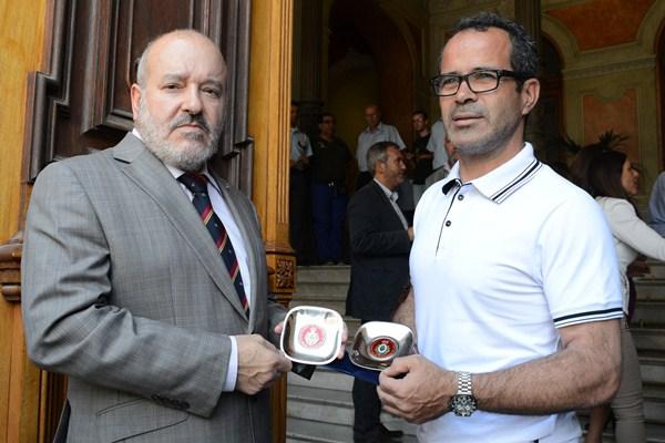 Presidente y entrenador, durante la celebración del ascenso a Segunda A hace dos temporadas. / SERGIO MÉNDEZ