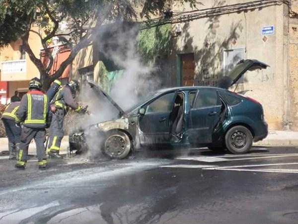 Imágenes del incendio.  / LOS JARDINEROS