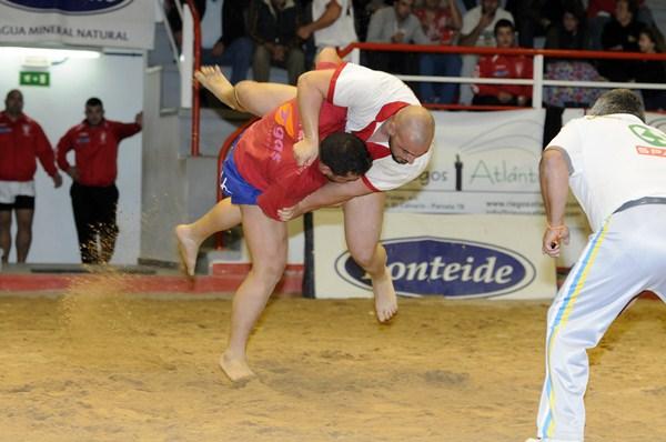 El Tijarafe y el San Isidro reciben a complicados rivales para lograr los puntos en juego. / DONELIA PÉREZ