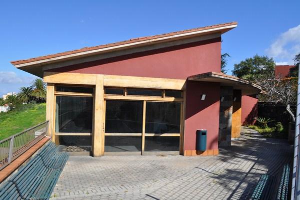 El inmueble, que cerró sus puertas en el año 2010, se encuentra ubicado en la calle Real de La Matanza. /  DA