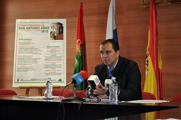 Miguel Ángel Pérez Pío detalló ayer los principales actos de la feria de ganado más antigua de Tenerife. / DA