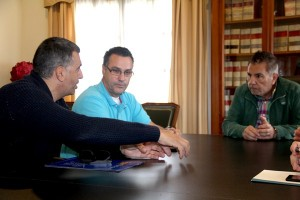 Orlando Méndez, Policarpo Delgado y José Miguel Rodríguez Fraga, durante la reunión celebrada ayer. / DA