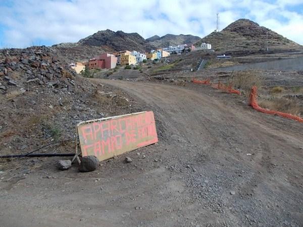 Estado del acceso antes de la lluvia de octubre que lo destrozó. / DA
