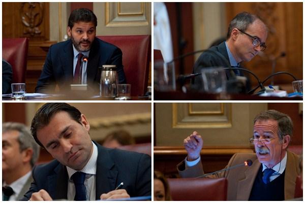 Los concejales José Ángel Martín (PSOE), José Alberto Díaz-Estébanez (CC), Manuel Fernández (PP) y Guillermo Guigou (CDS), ayer, durante la celebración del pleno. / FRAN PALLERO