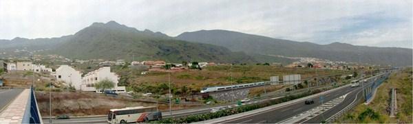 Fotomontaje de la puesta en marcha del proyecto ferroviario a su paso por el municipio de Candelaria. / DA