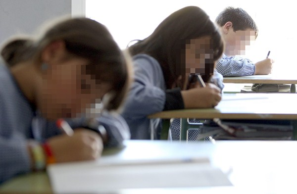 Canarias también está entre las regiones con más alumnos de 15 años que no están en el curso que le corresponde. / DA