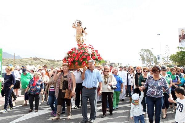 Imagen de San Sebastián en procesión. / GERARD ZENOU