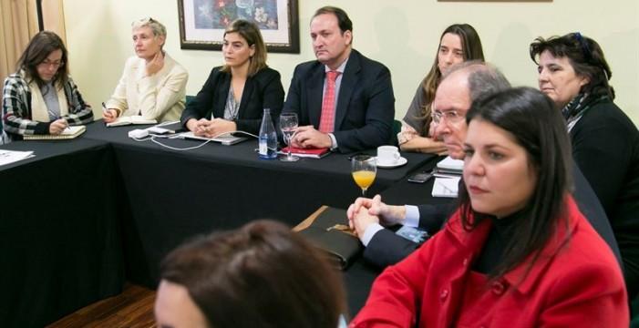 Turismo lleva a cabo un plan estratégico de cruceros de Canarias